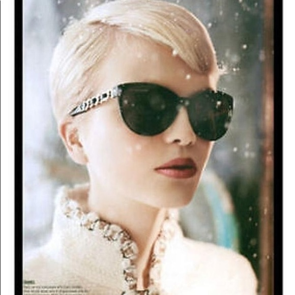 d94e9a9cd4a1b CHANEL Accessories - Chanel gold chain butterfly sunglasses